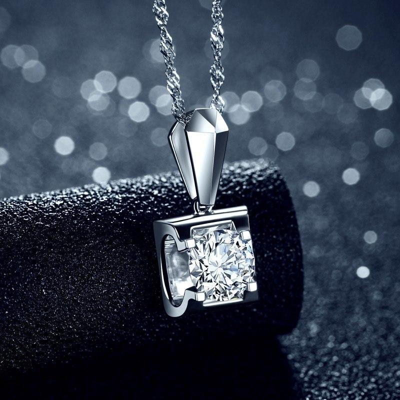 婚礼日为新娘,伴娘及母亲选择最美钻石吊坠