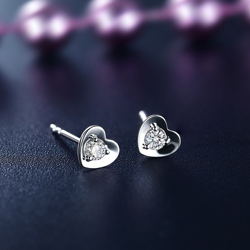 耳环的选择_钻石耳钉有哪些挑选技巧
