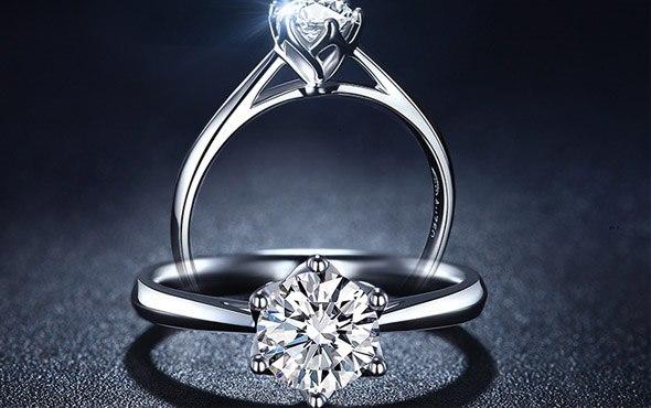 一克拉钻石到底有多大图片