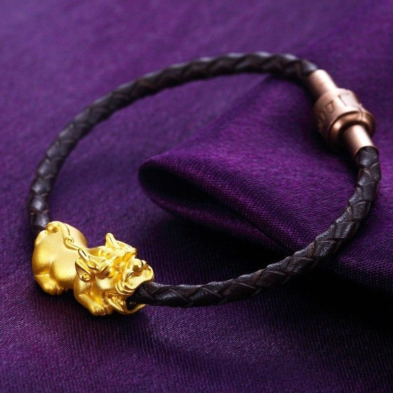 黄金学堂 黄金知识 貔貅手链应该怎么佩戴呢  配饰在我们的生活中起着