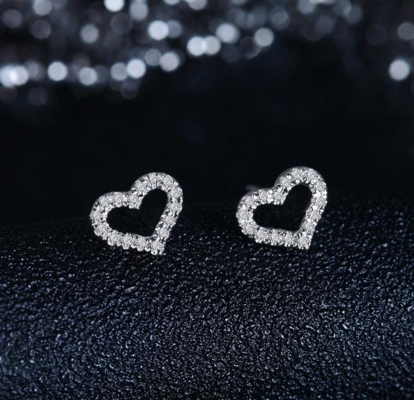 钻石耳钉多少钱