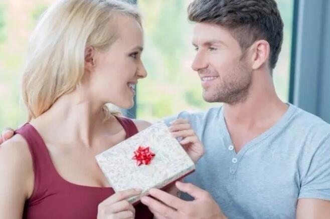 十一国庆节送女生什么礼物好