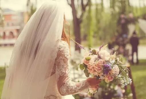 如何挑选结婚捧花