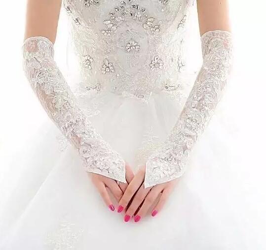 手套怎么搭配婚纱