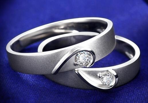 au750钻石戒指价格