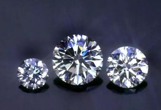钻石和莫桑石哪个好