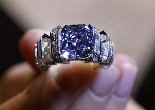 天空之蓝钻石