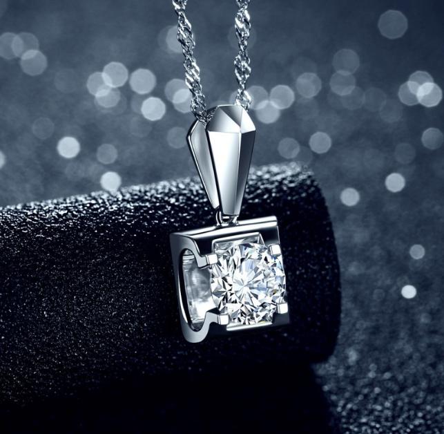 钻石项链吊坠怎样挑选