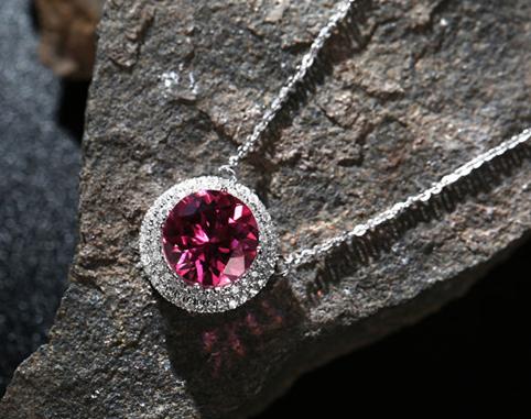 如何辨别彩色钻石的真假