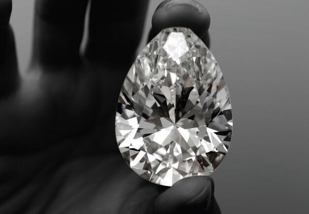 水滴形钻石