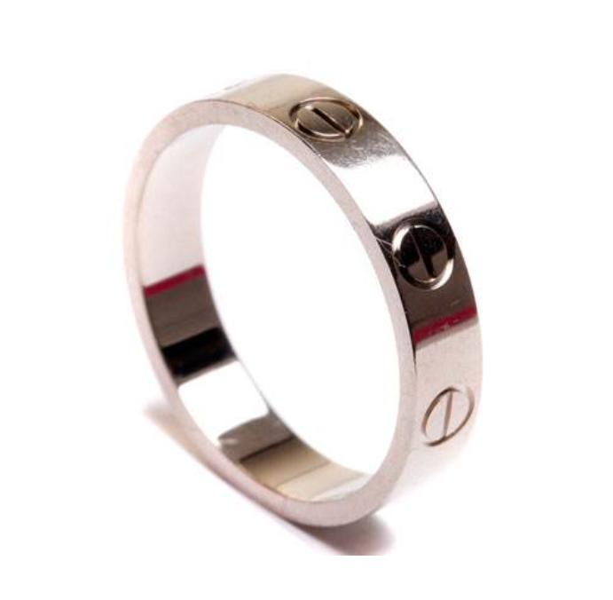 素金k金戒指也可以雕刻不同的花纹,也可以有很美的感觉.