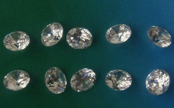 区别钻石和锆石的方法
