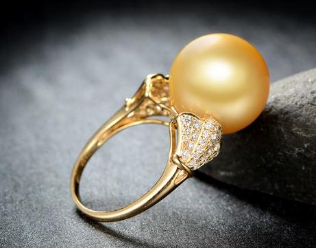 金珍珠戒指