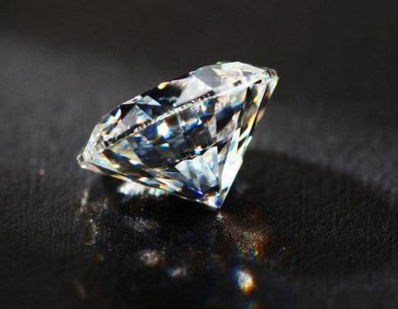 贾乃亮6克拉钻石