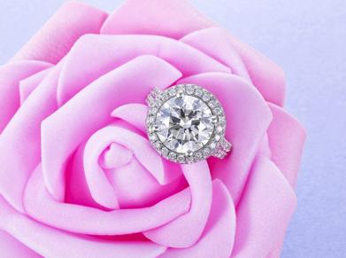 情人节钻石戒指