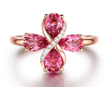 粉红色钻石戒指