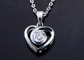 心形钻石吊坠多少钱主要看什么