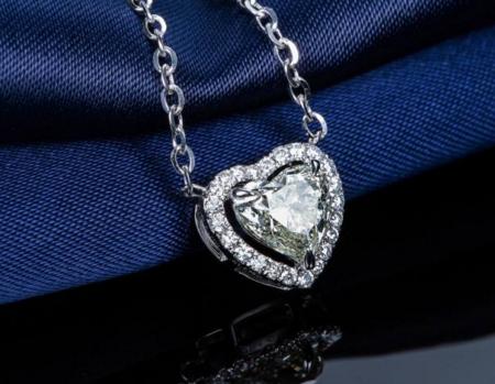 心形钻石吊坠怎么样