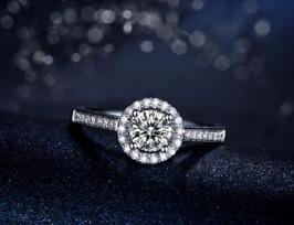 钻石首饰搭配技巧