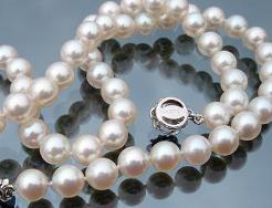 珍珠项链如何清洗和保养