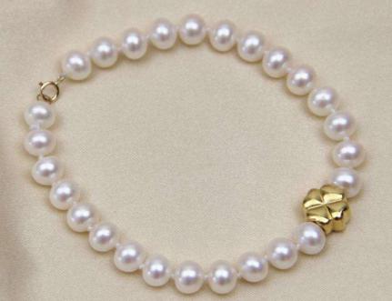 女人最好不要怎样戴珍珠