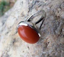 玛瑙戒指的价格
