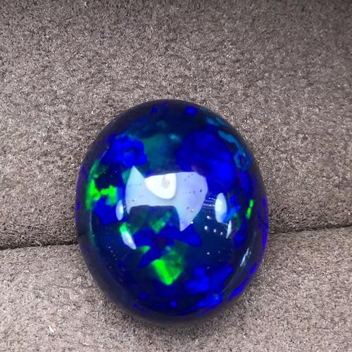蓝欧泊石的价格多少一克