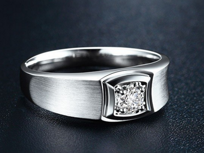 男士钻石戒指款式怎么挑选