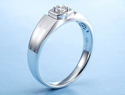 男女士最新钻石戒指的报价是多少