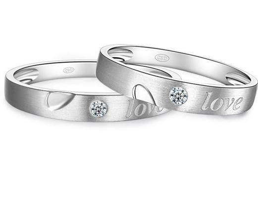 情侣戒指在哪里买比较好