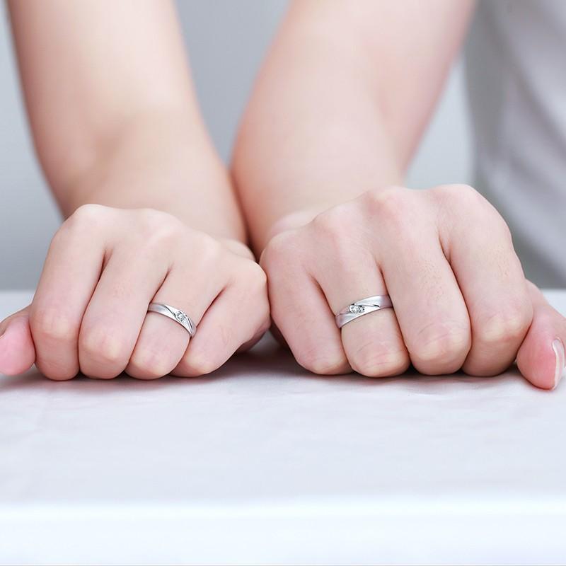情侣戒指适合戴在哪个手指?
